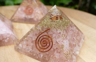 Banner_categoria_piramide_orgonite_quartzo_rosa